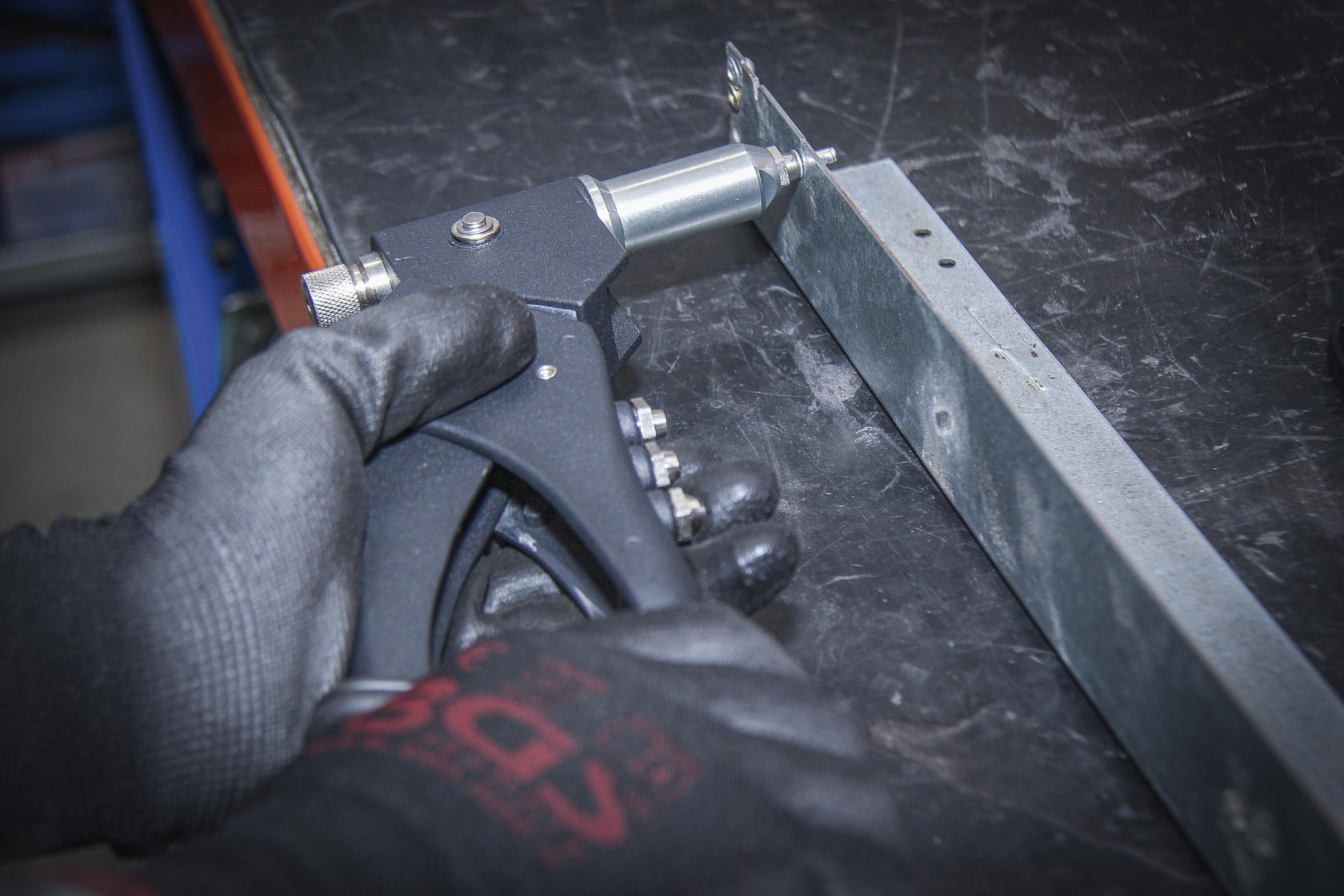 Riveter Set   for Standard, Nut and Stud Rivets